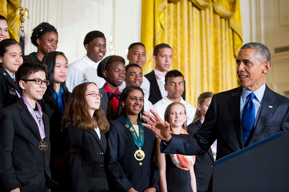 トピックス「President Obama Hosts White House Science Fair」:写真・画像(3)[壁紙.com]