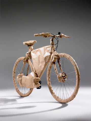 Protection「Bicycle wrapped in brown paper」:スマホ壁紙(11)