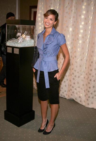 Ruffled Shirt「Diamond Information Center & InStyle Magazine Golden Globe Diamond Fashion」:写真・画像(0)[壁紙.com]