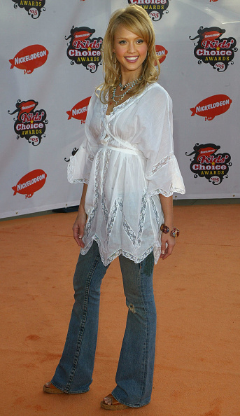 White Blouse「18th Annual Kids Choice Awards - Arrivals」:写真・画像(4)[壁紙.com]