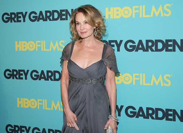 "Wavy Hair「HBO Films Presents The Premiere Of ""Grey Gardens"" - Arrivals」:写真・画像(4)[壁紙.com]"