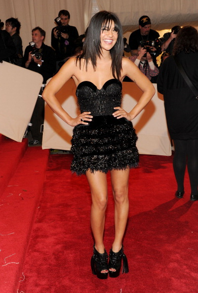"Layered Dress「""Alexander McQueen: Savage Beauty"" Costume Institute Gala At The Metropolitan Museum Of Art - Arrivals」:写真・画像(11)[壁紙.com]"