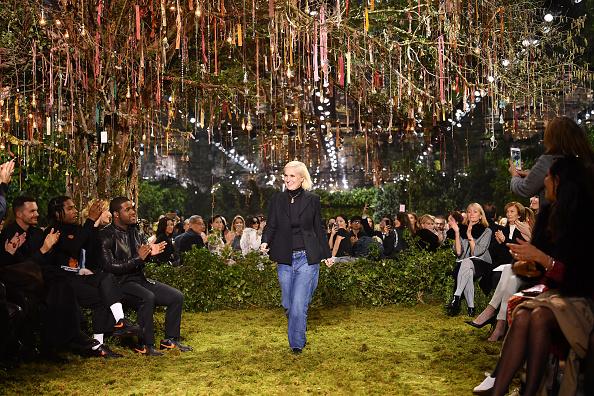 Catwalk - Stage「Christian Dior : Runway - Paris Fashion Week - Haute Couture Spring Summer 2017」:写真・画像(19)[壁紙.com]
