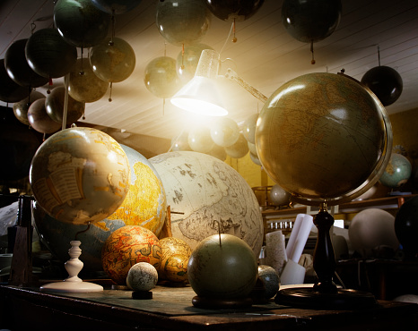 Desk Lamp「Various globes in cartographers workshop」:スマホ壁紙(15)