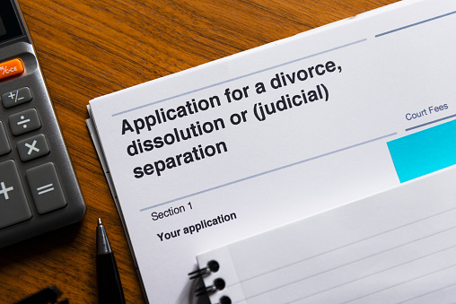 Married「Divorce application form close-up.」:スマホ壁紙(4)