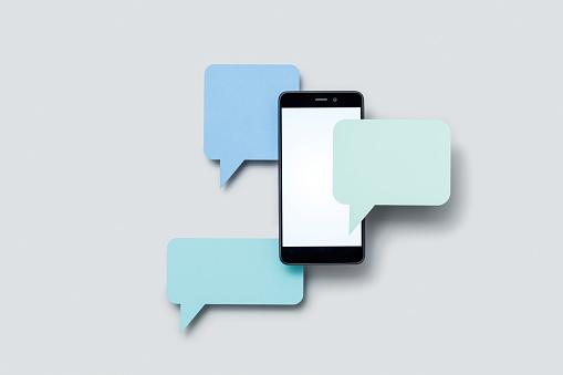 Speech Bubble「Smartphone and speech bubbles (paper cutouts)」:スマホ壁紙(7)
