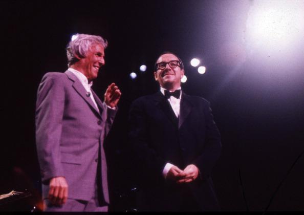 Elvis Costello「Burt Bacharach And Elvis Costello Royal Festival Hall London 1998」:写真・画像(13)[壁紙.com]