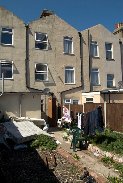 Row House「Back yards of terrace houses, Harwich, Essex, UK」:写真・画像(6)[壁紙.com]