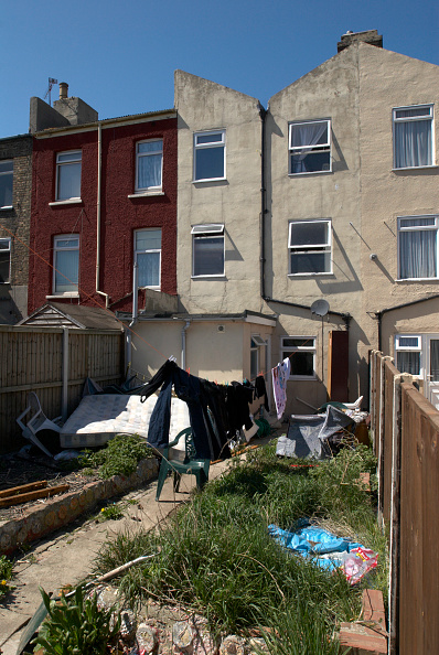 Row House「Back yards of terrace houses, Harwich, Essex, UK」:写真・画像(18)[壁紙.com]