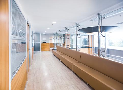 Waiting「Hospital corridor」:スマホ壁紙(0)