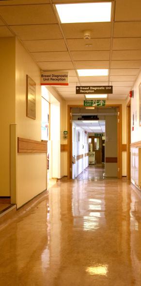 Oncology「Hospital corridor golden light」:スマホ壁紙(17)