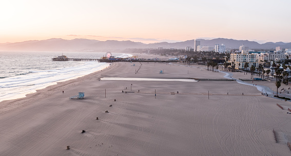 Pacific Ocean「Empty Santa Monica Beach During Covid-19 Pandemic」:スマホ壁紙(9)