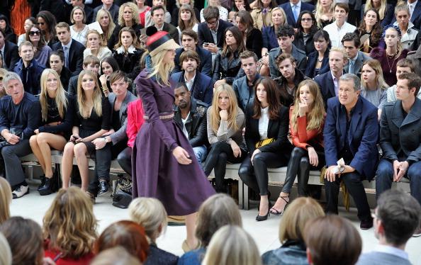 Lily Donaldson「Burberry Spring Summer 2012 Womenswear Show - Front Row」:写真・画像(5)[壁紙.com]
