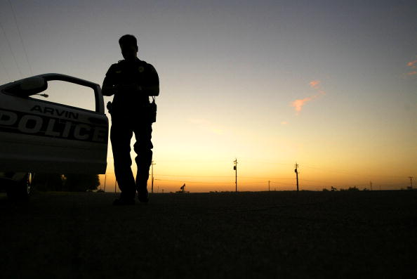 Police Force「Bread and Oil: California's Central Valley」:写真・画像(18)[壁紙.com]