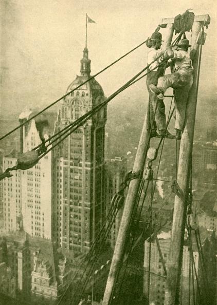Construction Machinery「Crane Men At Work On A New York Skyscraper」:写真・画像(6)[壁紙.com]