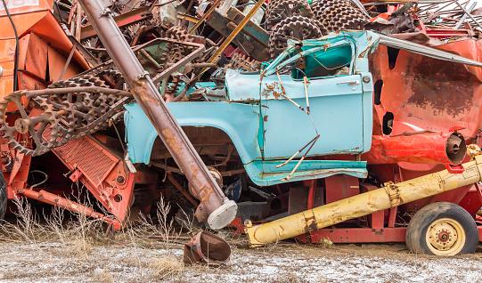 Moose Jaw「Vehicles at a municipal salvage yard」:スマホ壁紙(16)