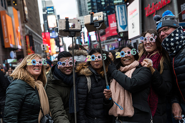 Tourism「New York's Times Square Hosts Annual New Year's Eve Celebration」:写真・画像(5)[壁紙.com]