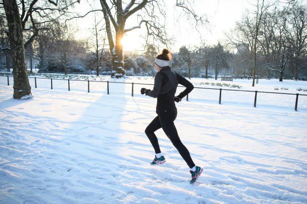 雪「Britain Freezes As Siberian Weather Sweeps Across The Country」:写真・画像(4)[壁紙.com]