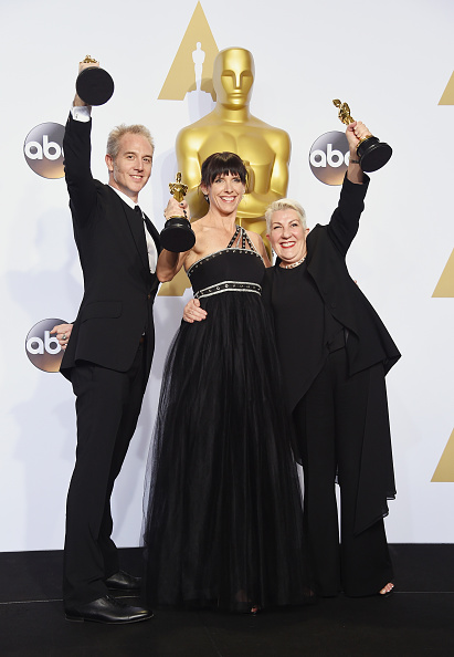 Small Group Of People「88th Annual Academy Awards - Press Room」:写真・画像(9)[壁紙.com]