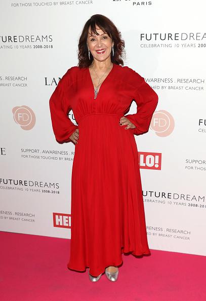 Breast「'TEN - A Decade of Dreams'- Red Carpet Arrivals」:写真・画像(8)[壁紙.com]