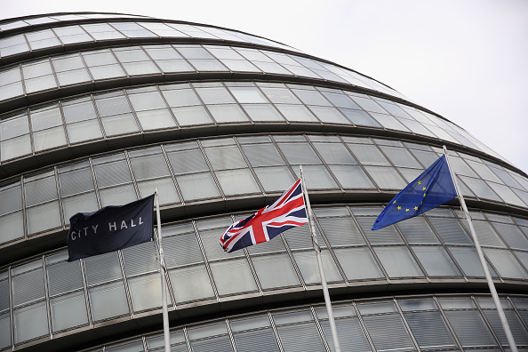Town Hall「Sadiq Khan Flys The Flag For The EU」:写真・画像(4)[壁紙.com]