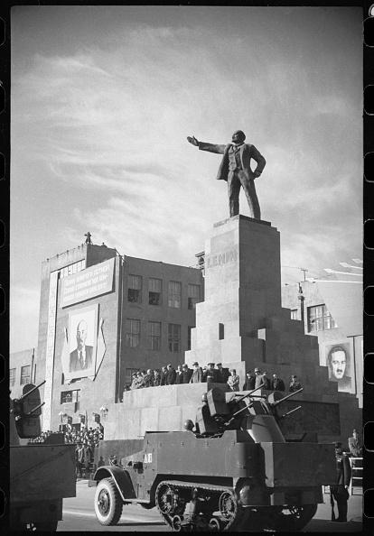 Tashkent「In The Red Square」:写真・画像(4)[壁紙.com]