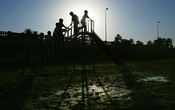 プレーする「US Funded Playground Opens In Baghdad」:写真・画像(9)[壁紙.com]