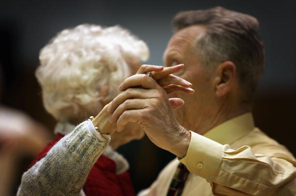 Senior Adult「Pensioners In Scotland Take Part In A Local Tea Dance」:写真・画像(8)[壁紙.com]