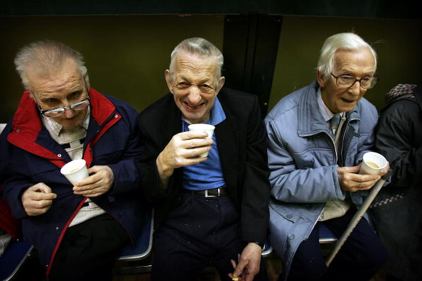 Care「Pensioners In Scotland Take Part In A Local Tea Dance」:写真・画像(2)[壁紙.com]