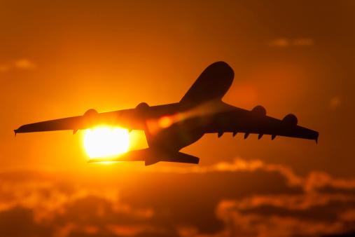 飛行機「Commercial Airplane」:スマホ壁紙(16)