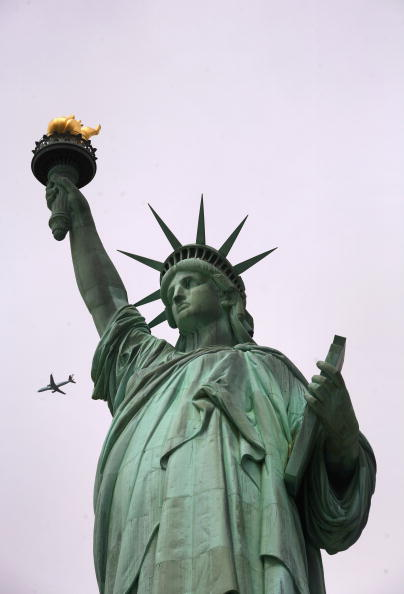 John Moore「Federal Stimulus Funds Set To Improve Statue Of Liberty Security」:写真・画像(15)[壁紙.com]