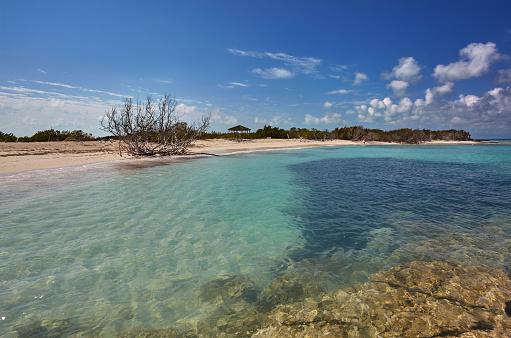 cloud「The deserted pristine shoreline on a remote Caribbean island.」:スマホ壁紙(19)