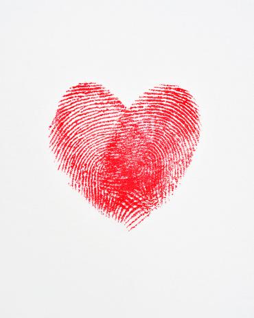 Heart「Overlapping fingerprints forming a heart shape」:スマホ壁紙(12)