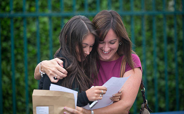 Students Throughout The UK Receive Their A Level Results:ニュース(壁紙.com)