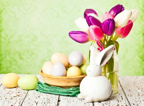 Baby Rabbit「Rustic Easter Still Life」:スマホ壁紙(0)