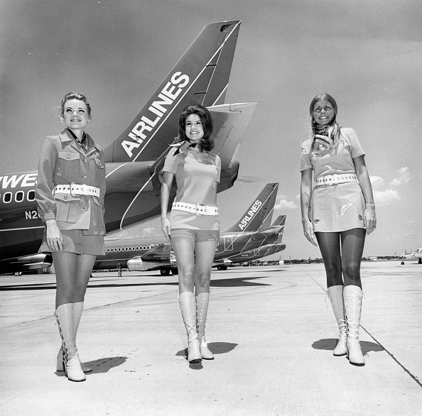 Uniform「Texan Stewardesses」:写真・画像(13)[壁紙.com]