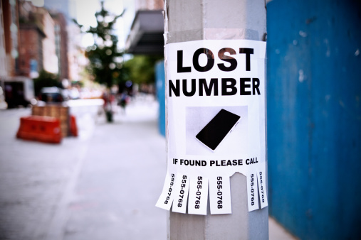 Lost「Lost number on light post in city」:スマホ壁紙(13)
