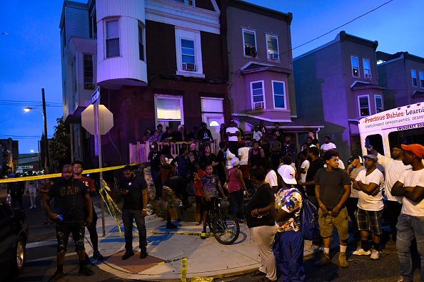 Philadelphia - Pennsylvania「Police Officers Shot In North Philadelphia」:写真・画像(6)[壁紙.com]