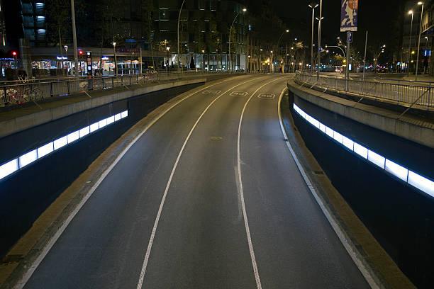 Gran Via de les Corts Catalanes tunnel entrance.:スマホ壁紙(壁紙.com)