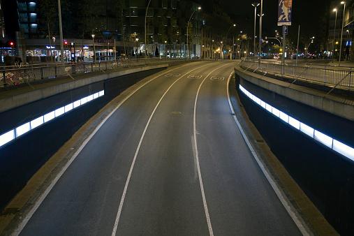 Empty Road「Gran Via de les Corts Catalanes tunnel entrance.」:スマホ壁紙(18)