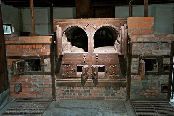 Stove「Crematorium At Dachau」:写真・画像(4)[壁紙.com]