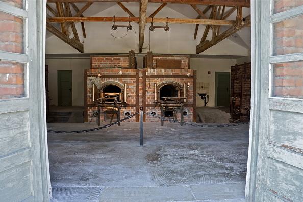 Stove「Crematorium At Dachau」:写真・画像(5)[壁紙.com]