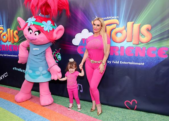 Coco Austin「DreamWorks Trolls The Experience Rainbow Carpet Grand Opening In New York City」:写真・画像(14)[壁紙.com]