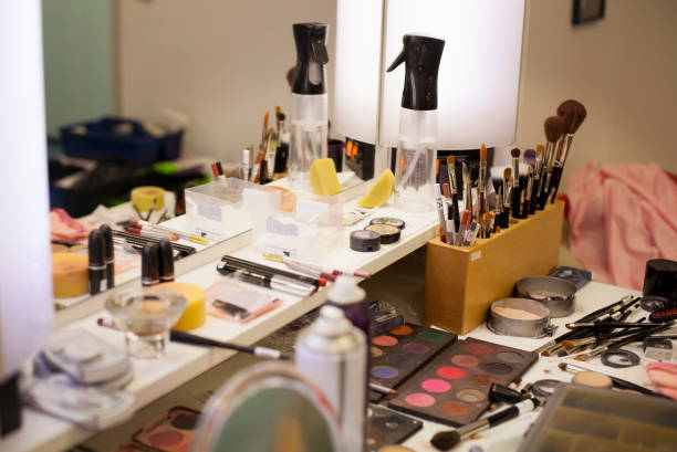 Dressing table with beauty products at the Bavarian State Ballet, Munich, Germany:スマホ壁紙(壁紙.com)