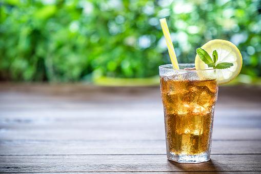 Drinking「Lemon ice tea」:スマホ壁紙(17)