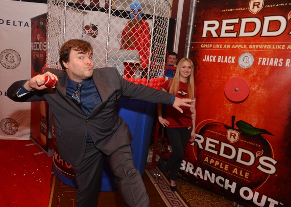 Variation「Redd's Dunk Tank Celebrates Friars Club Roast Of Jack Black With Celebrity Guests」:写真・画像(8)[壁紙.com]
