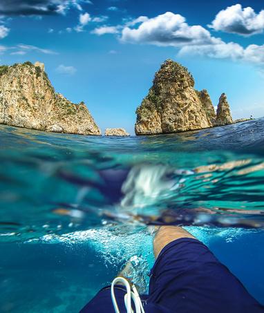 水着「Swimming in a natural pool - ITALY」:スマホ壁紙(19)