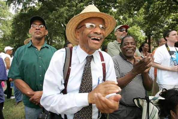 People「Civil Rights Activists Rally To Rename Confederate-Era Park」:写真・画像(1)[壁紙.com]