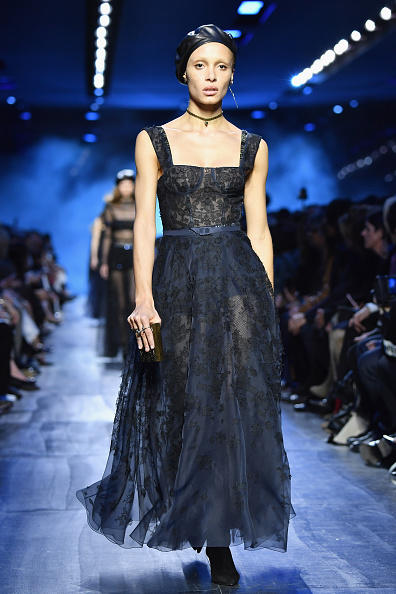 Lace - Textile「Christian Dior : Runway - Paris Fashion Week Womenswear Fall/Winter 2017/2018」:写真・画像(4)[壁紙.com]