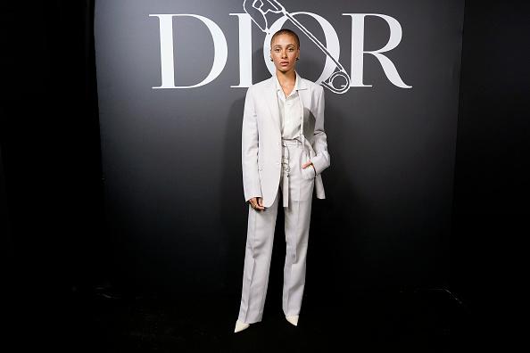 White Suit「Dior Homme : Photocall - Paris Fashion Week - Menswear F/W 2020-2021」:写真・画像(16)[壁紙.com]